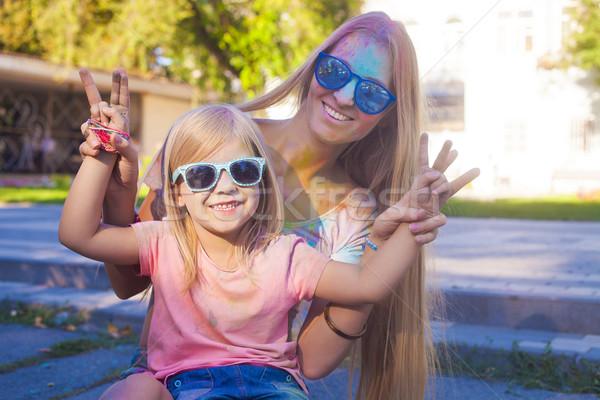 Gelukkig moeder weinig dochter kleur festival Stockfoto © dashapetrenko
