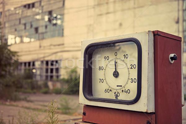 Sérült benzinkút közelkép retró stílus üveg utazás Stock fotó © dashapetrenko