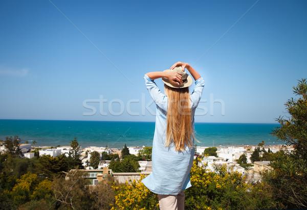 Mulher jovem Tunísia quente verão dia céu Foto stock © dashapetrenko