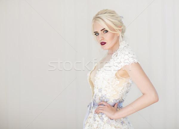 Stok fotoğraf: Portre · güzel · genç · sarışın · kadın