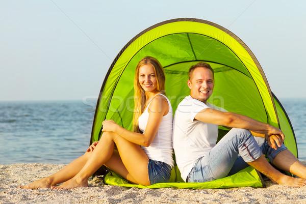 Gelukkig camping strand zomertijd vrouw Stockfoto © dashapetrenko