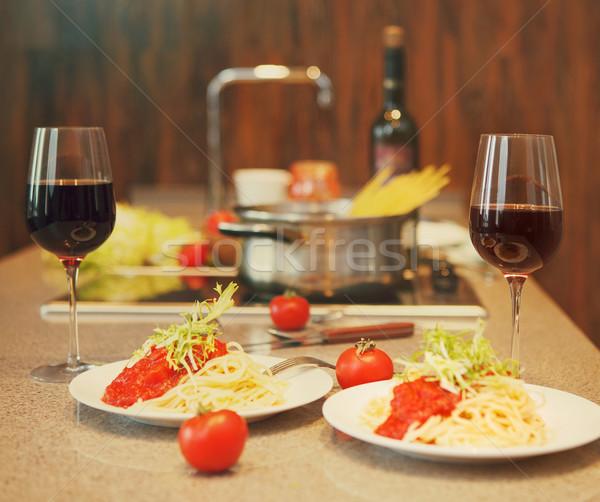 Foto stock: Espaguetis · salsa · de · tomate · vino · tinto · cocina · casa · casa
