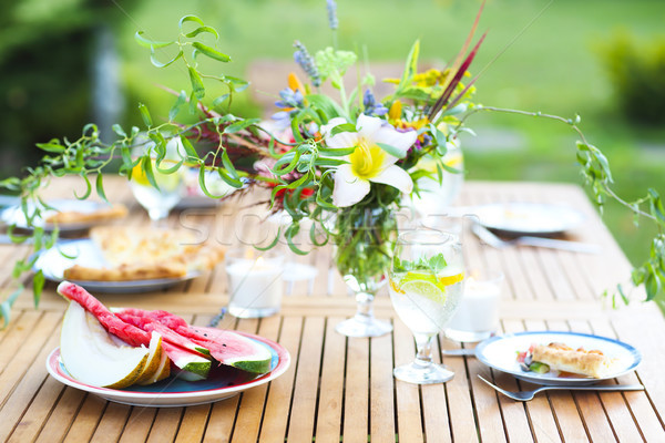 Sommer Freien Party Limonade dekoriert Blumen Stock foto © dashapetrenko