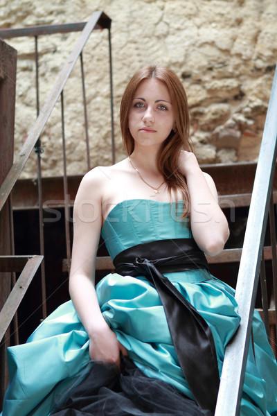 Photo stock: Rouge · fille · escaliers · romantique · belle · robe