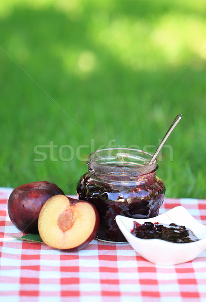 Jar prune confiture table alimentaire Photo stock © dashapetrenko