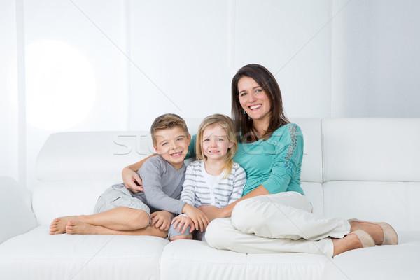 Portret rodziny biały młodych matka dwa Zdjęcia stock © Dave_pot