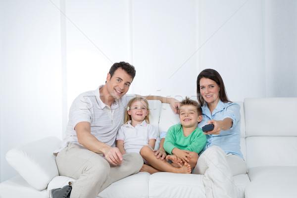 Сток-фото: молодые · семьи · позируют · диван · матери · программа