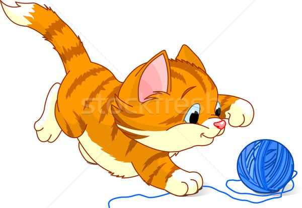 Котенок к клубком рисунок