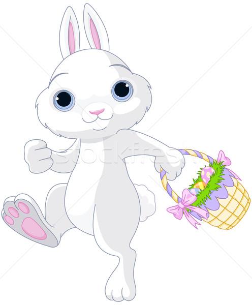 Conejo de Pascua cute completo cesta huevo Foto stock © Dazdraperma