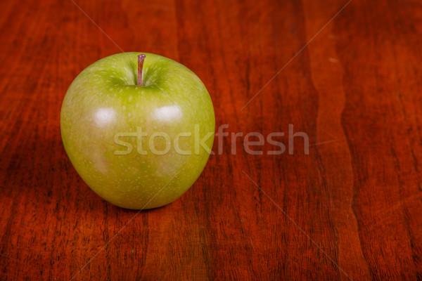 Foto d'archivio: Verde · mela · tavolo · in · legno · granny · frutta · agricoltura