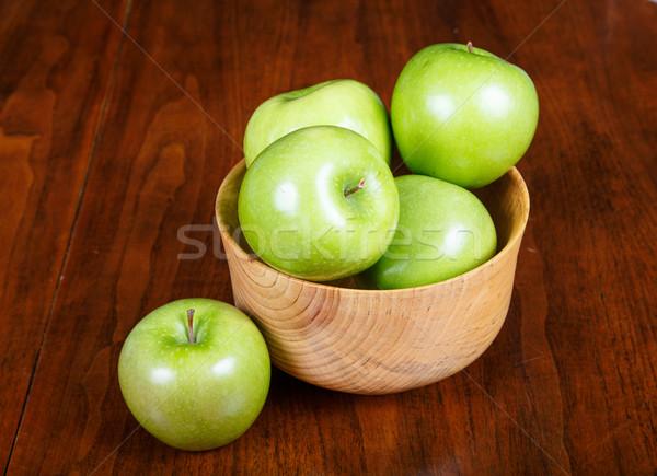 Foto d'archivio: Ciotola · verde · mele · uno · tavola · legno