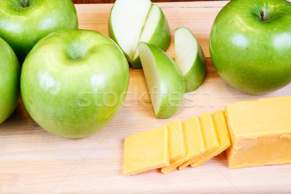 Nagyi sajt vág egész zöld almák Stock fotó © dbvirago