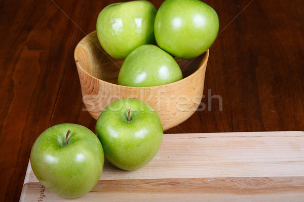 Verde mele ciotola tagliere legno granny Foto d'archivio © dbvirago
