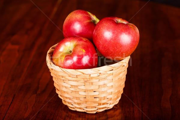 リンゴ バスケット 表 赤 リンゴ ストックフォト © dbvirago
