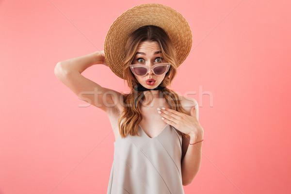 расстраивать удивленный брюнетка женщину платье Сток-фото © deandrobot