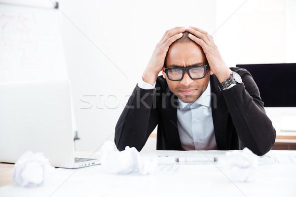 Hombre de negocios estrés depresión sesión escritorio oficina Foto stock © deandrobot