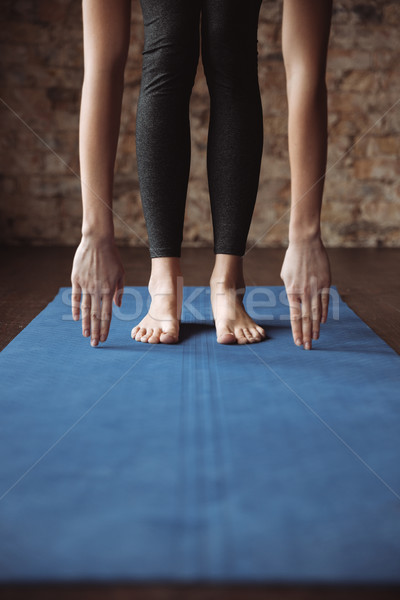 Fitness donna piedi a piedi nudi primo piano sottile Foto d'archivio © deandrobot