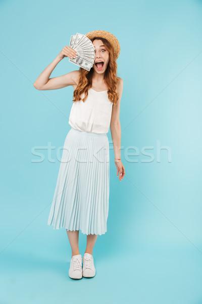 Fiatal izgatott sikít kaukázusi nő tart Stock fotó © deandrobot