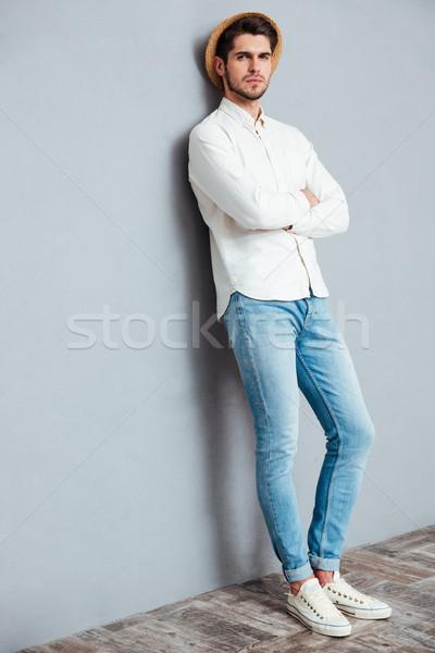 Portret przystojny mężczyzna stałego broni fałdowy Zdjęcia stock © deandrobot
