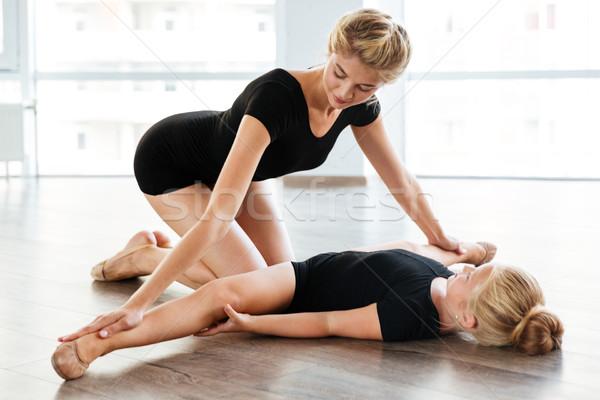 Stock fotó: Nő · tanít · nyújtás · kislány · ballerina · balett