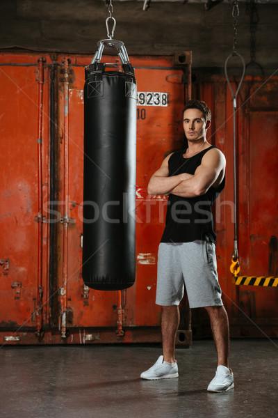 Jóképű erős boxoló áll tornaterem keresztbe tett kar Stock fotó © deandrobot