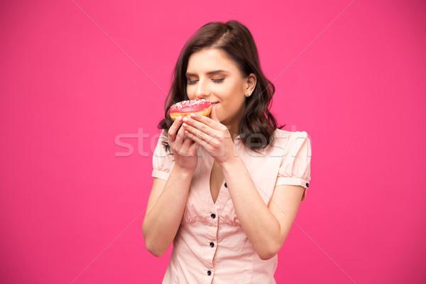 Retrato mujer bonita buñuelo rosa camisa Foto stock © deandrobot