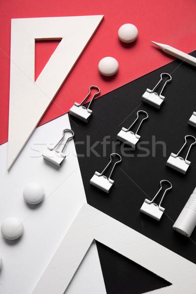 Branco vermelho preto tabela quadro Foto stock © deandrobot