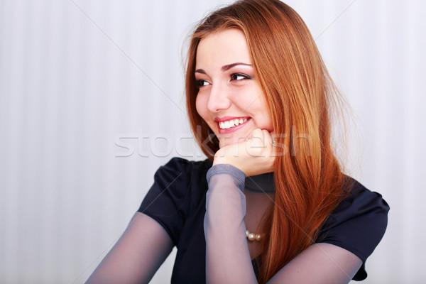 Zdjęcia stock: Portret · młodych · szczęśliwy · kobieta · patrząc