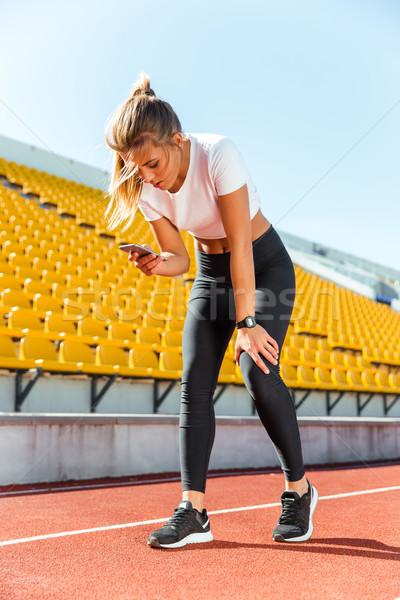 Mulher correr retrato bela mulher Foto stock © deandrobot