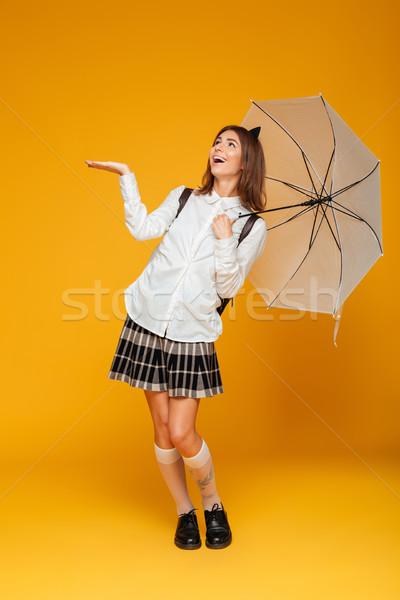 Porträt glücklich Schülerin einheitliche Hand Stock foto © deandrobot