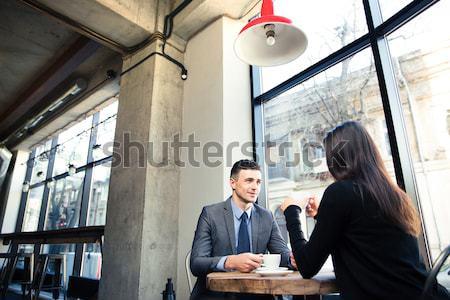 Due imprenditori incontro di lavoro ufficio concentrato Foto d'archivio © deandrobot