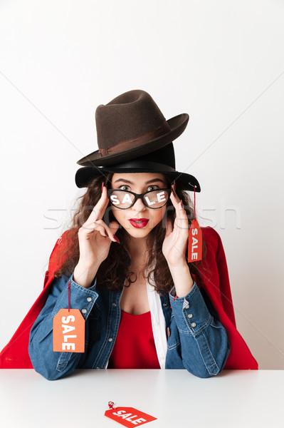 Geschokt verkoop winkelen dame borden Stockfoto © deandrobot