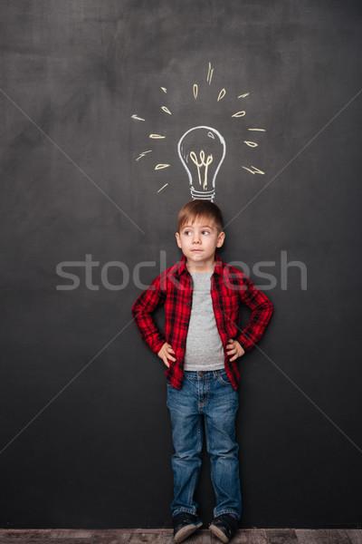 Stock fotó: Aranyos · fiú · ötlet · tábla · rajzok · fotó
