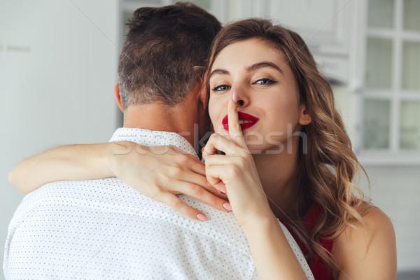 若い女性 沈黙 ジェスチャー 抱擁 夫 ストックフォト © deandrobot