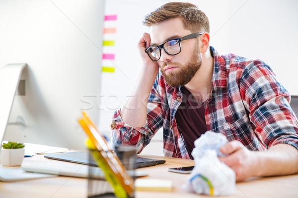 Unatkozik kimerült férfi ül munkahely néz Stock fotó © deandrobot