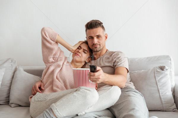 Foto d'archivio: Ritratto · attrattivo · mangiare · popcorn · seduta