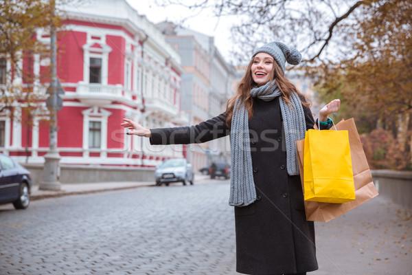 Frau stoppen Auto Straße Porträt glücklich Stock foto © deandrobot