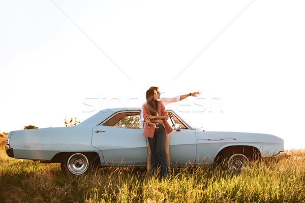 Foto stock: Jovem · atraente · casal · em · pé · retro