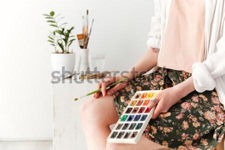 Quadro jovem caucasiano senhora pintor Foto stock © deandrobot