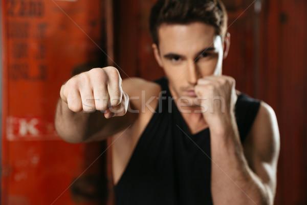 Jóvenes boxeador pie gimnasio posando manos Foto stock © deandrobot