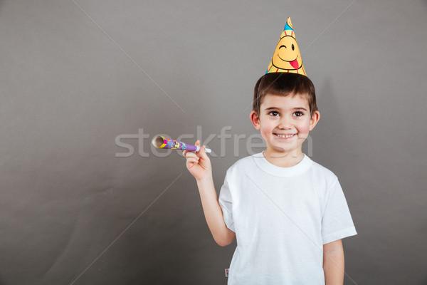 Feliz pequeno menino em pé aniversário seis Foto stock © deandrobot