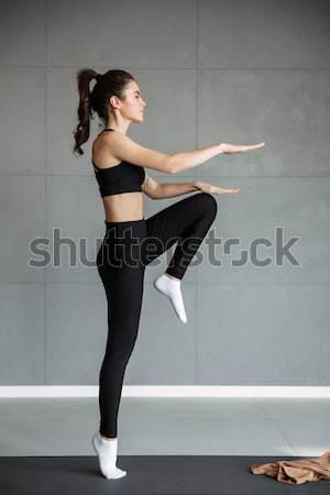Gyönyörű fiatal sportok hölgy gyártmány fotó Stock fotó © deandrobot