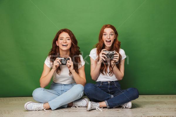 Fotó kettő aranyos vörös hajú nő lányok 20-as évek Stock fotó © deandrobot