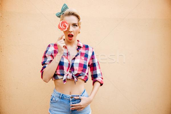 şaşırmış sevimli pinup kız kapalı göz Stok fotoğraf © deandrobot