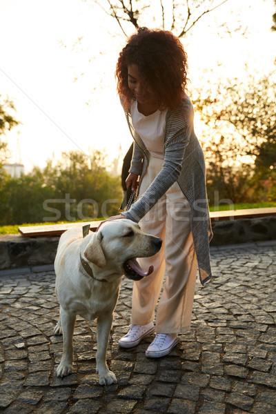 Coup joli saine jeunes dame marche Photo stock © deandrobot