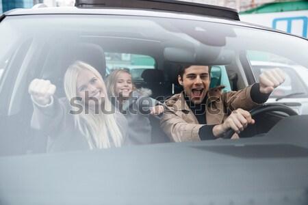 Mutlu genç aile barış Stok fotoğraf © deandrobot