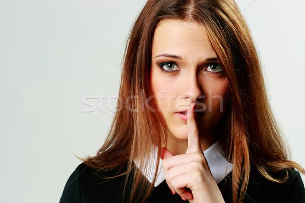 Közelkép portré fiatal nő csend felirat izolált Stock fotó © deandrobot
