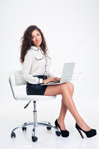 Zakenvrouw vergadering bureaustoel laptop gelukkig jonge Stockfoto © deandrobot