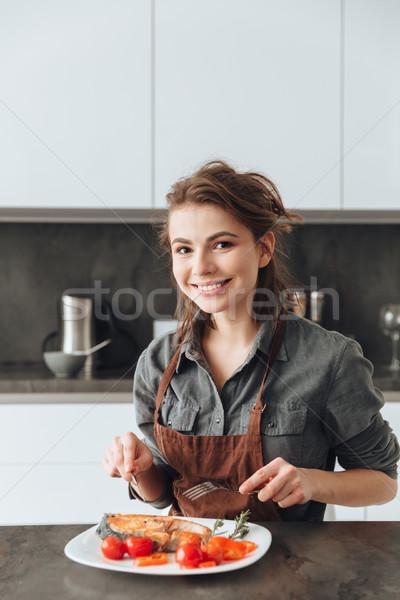 Foto stock: Hermosa · jóvenes · dama · sesión · cocina · comer
