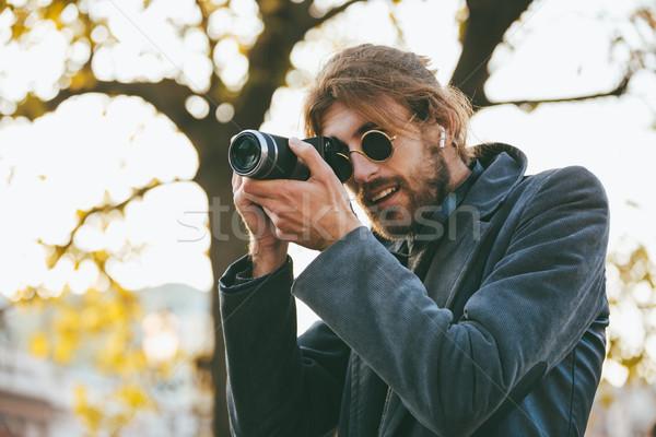 Retrato atraente barbudo homem óculos de sol Foto stock © deandrobot